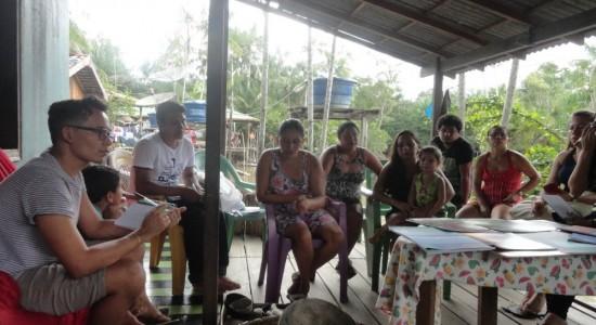 Fazedeiras de cuia de Lariandeua, no distrito de Quianduba, Baixo Tocantins, Pará realizam oficina de mapeamento