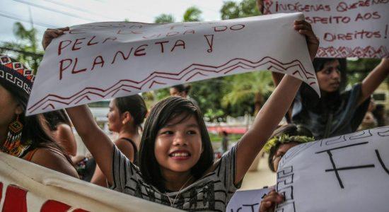 """""""Sangue indígena. Nenhuma gota a mais"""" Manifestação em 31 de Janeiro - Rio Branco, Acre"""