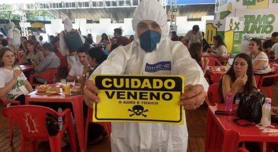 CUIDADO VENENO:  PERFORMANCES, PROTESTOS E ANÁLISES DURANTE A 71º REUNIÃO DA SBPC CONTRA AUTORIZAÇÃO DE AGROTÓXICOS POR PARTE DO GOVERNO BRASILEIRO